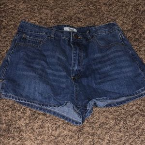 F21 high-waisted mom shorts